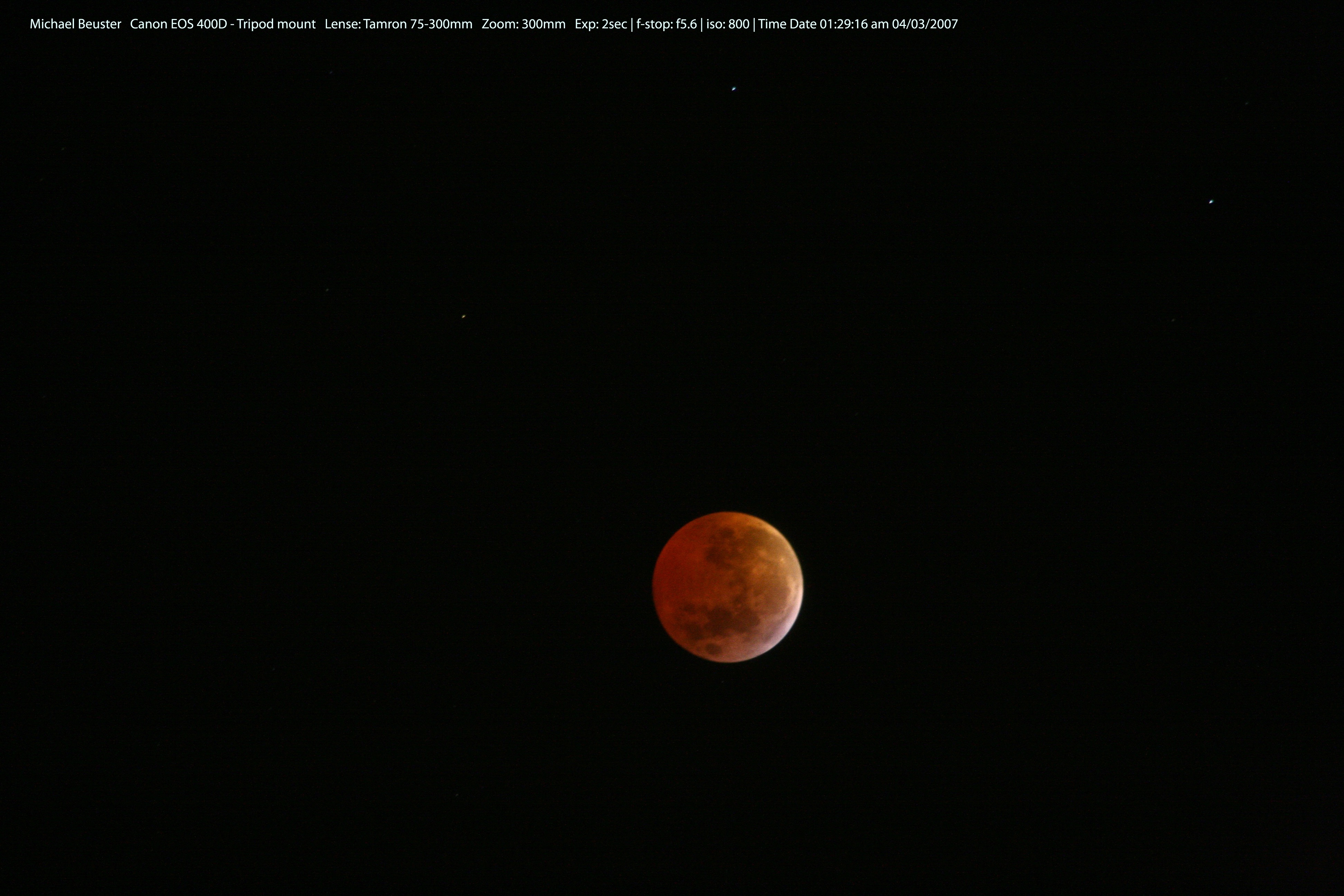 1567218218683-Lunar-Eclipse_South-Africa.jpg