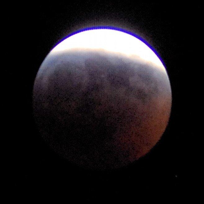 1567218778033-LunarEclipse030307_ESTEC_Cyril-Simon.jpg