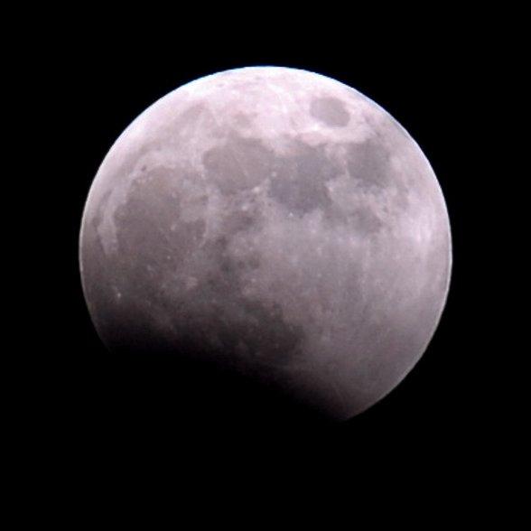 1567218993618-LunarEclipse030307_ESTEC_Cyril-Simon2.jpg