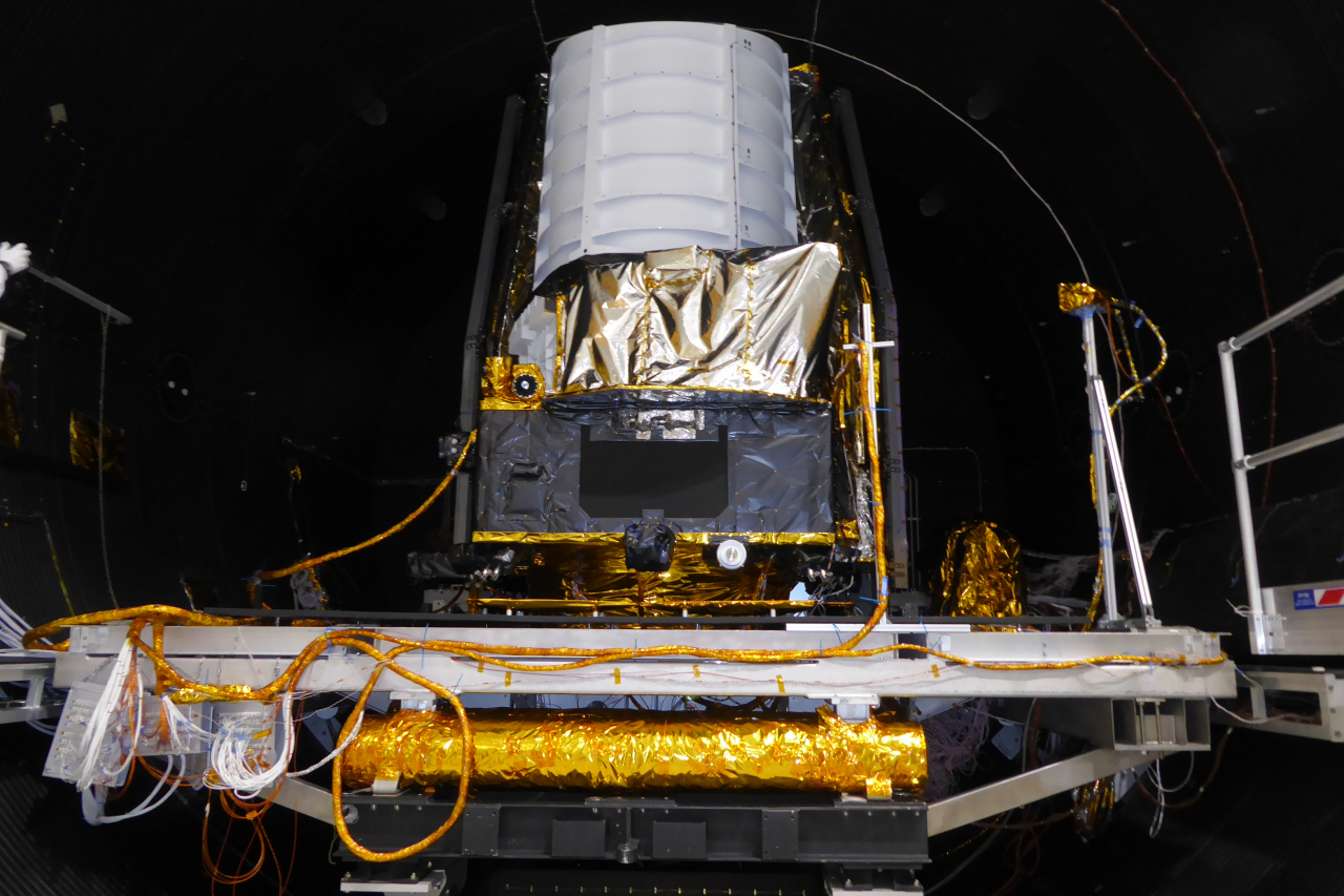 Euclid_STM_in_thermal-vacuum_chamber_Aug2019_1_1280.jpg