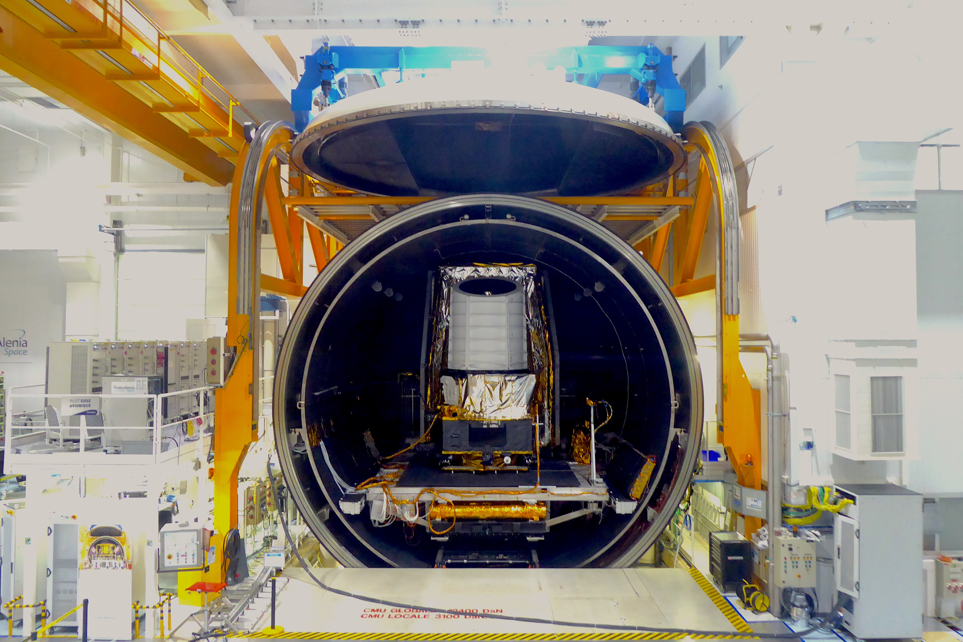 Euclid_STM_in_thermal-vacuum_chamber_Aug2019_2.jpg