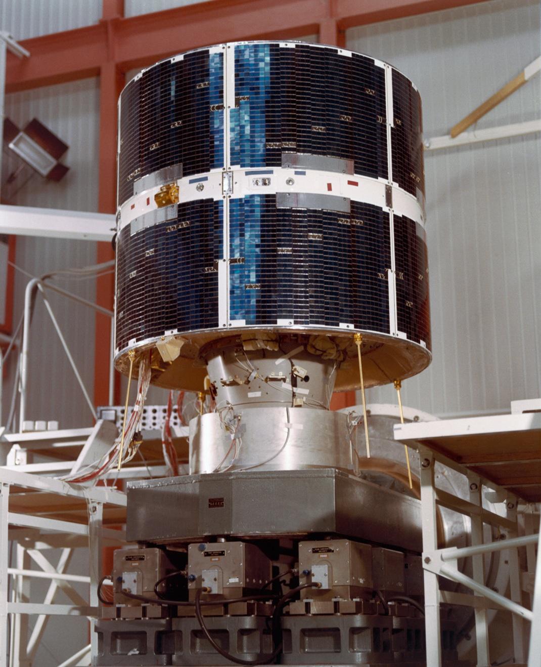 1567215943454-COS-B_1975-1982_Europe_s_pioneer_gamma-ray_observatory.jpg