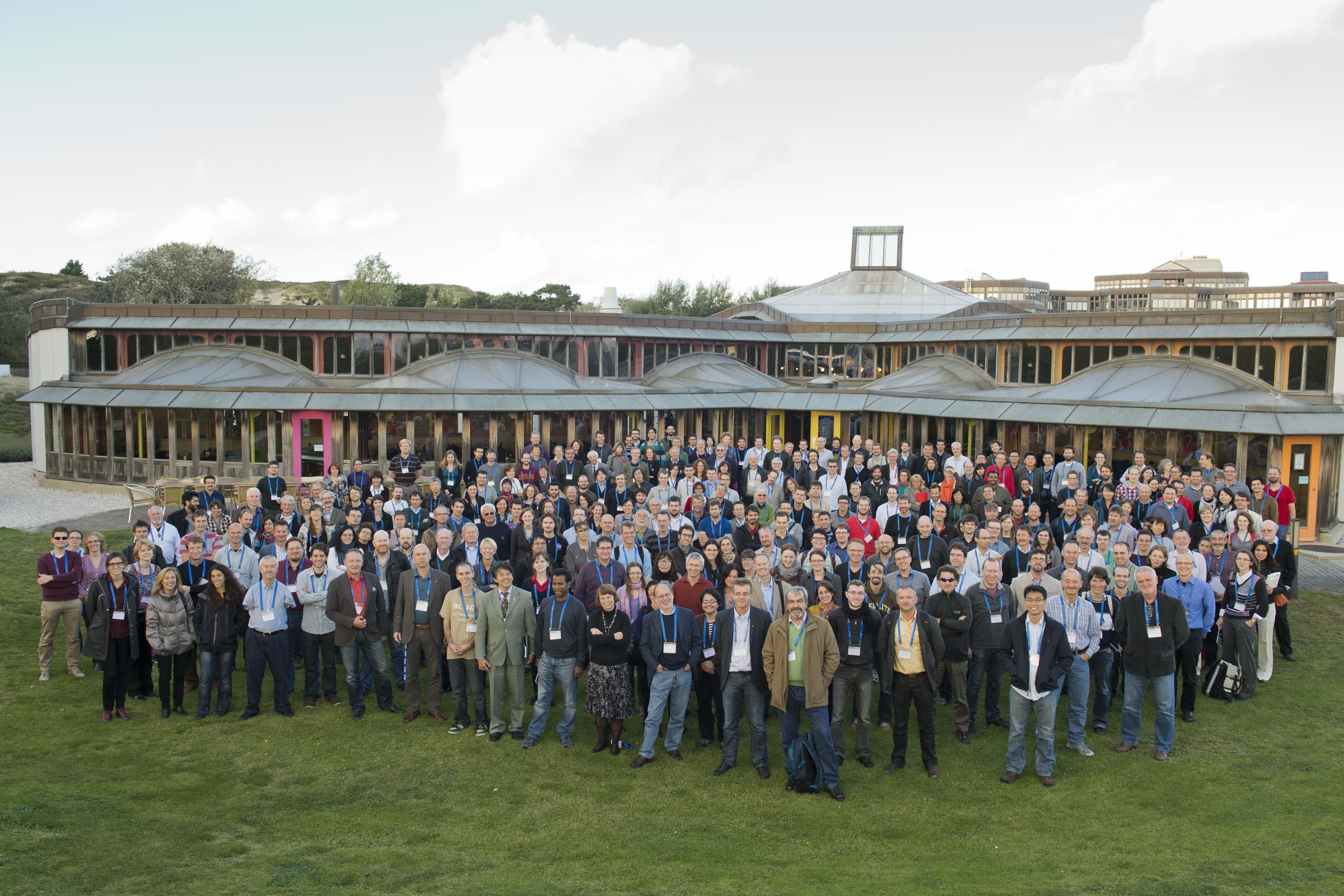 1567214344368-Herschel_UniverseExploredSymposium_2013_participants.jpg