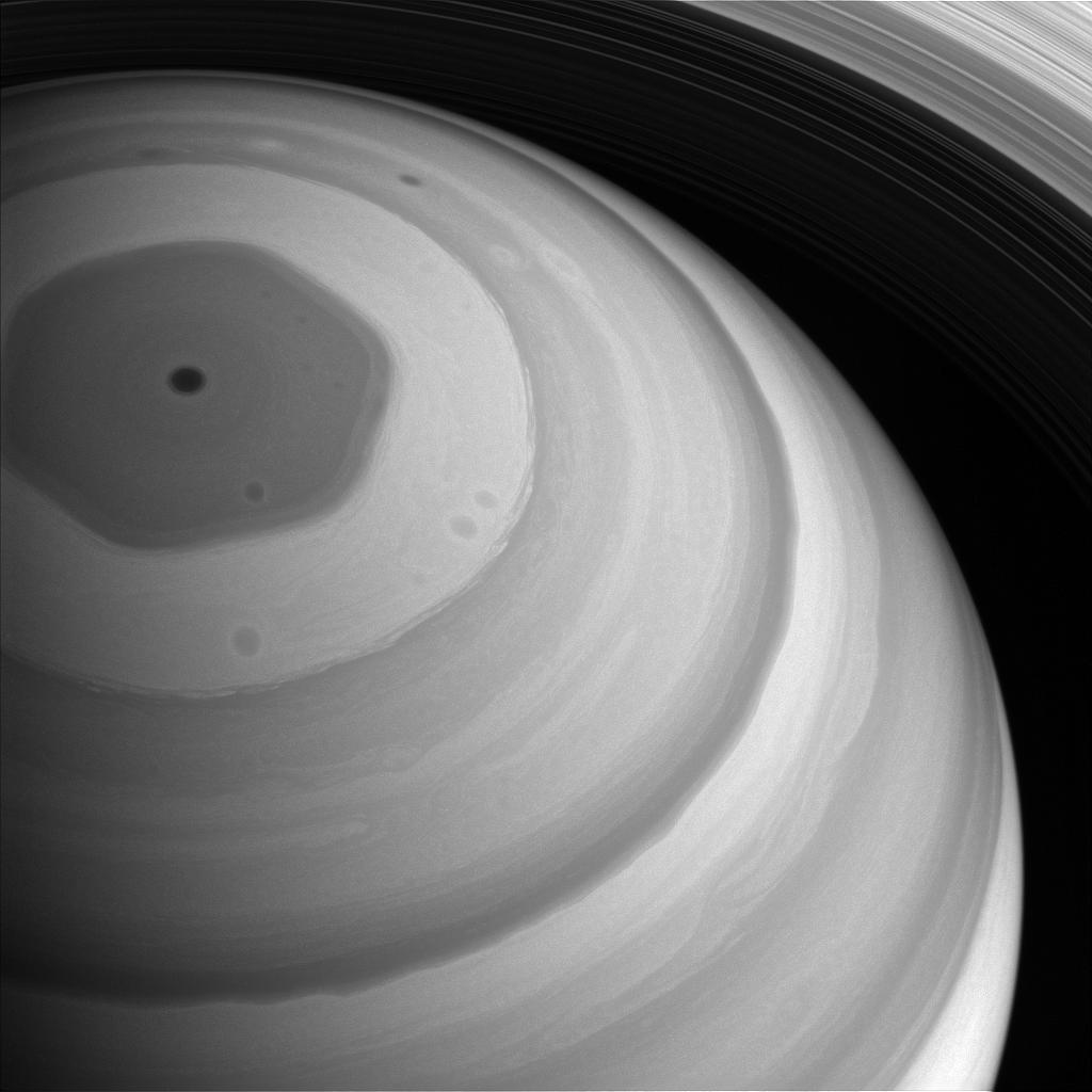 1567214137144-Cassini_Saturn_NP_vortex_PIA20513.jpg