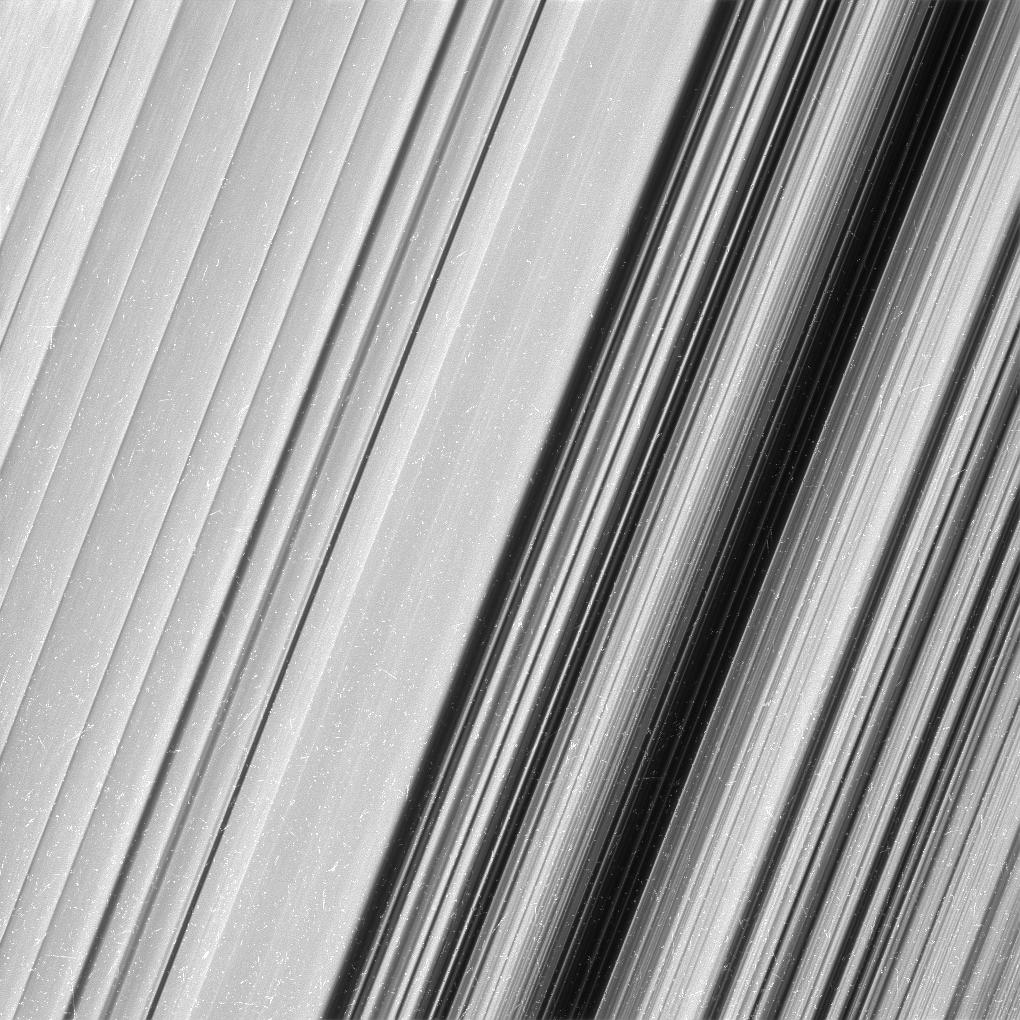 1567214415504-Saturn_B-ring_close-up.jpg