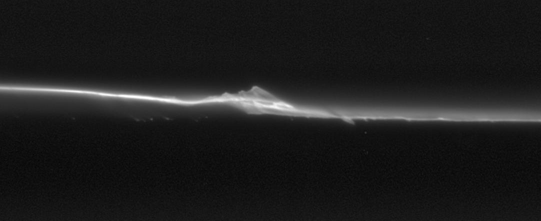 1567215106271-Cassini_Spying_Saturn_s_moonlets.jpg