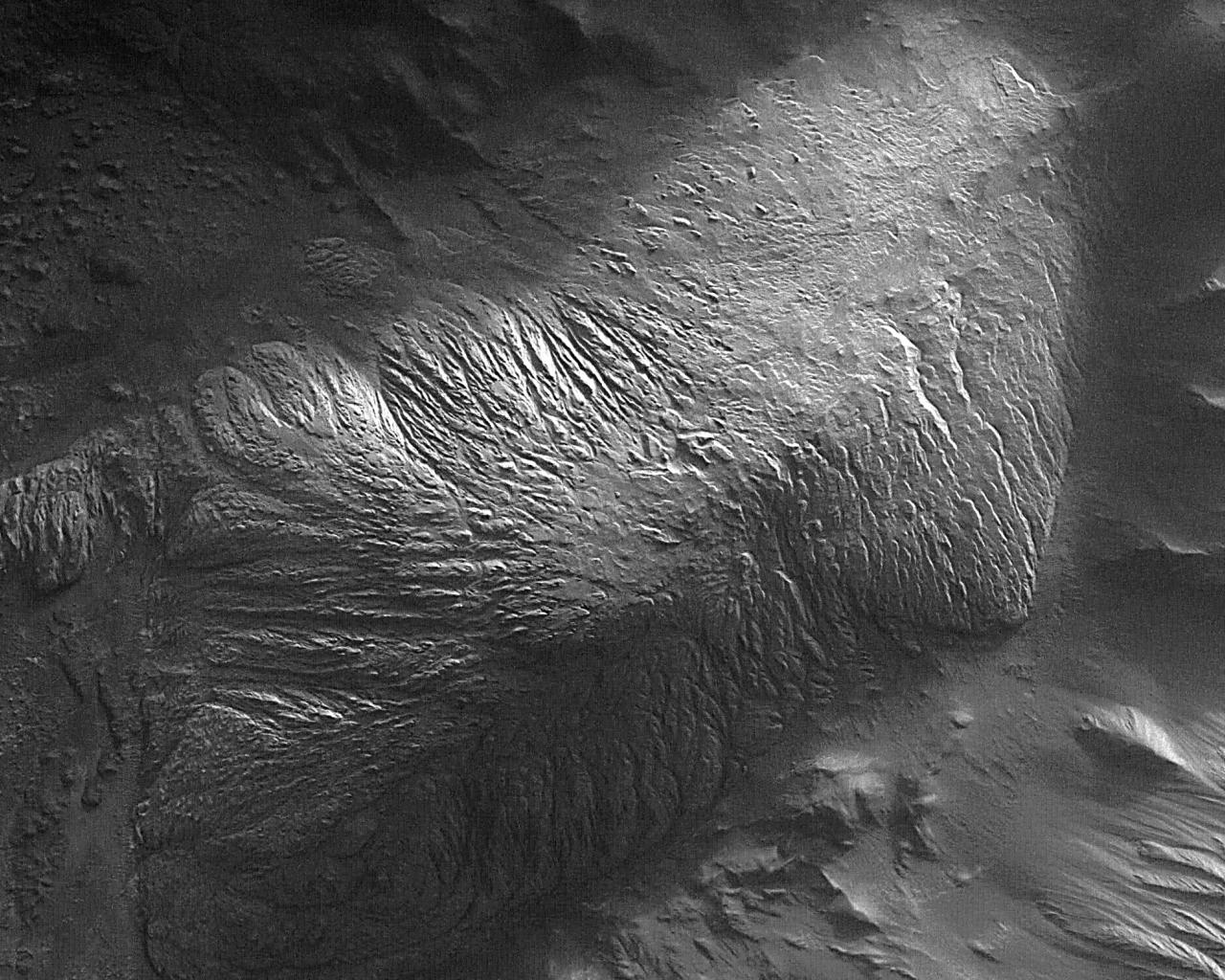 1567218095996-TithoniumChasma-hill-wallpaper.jpg