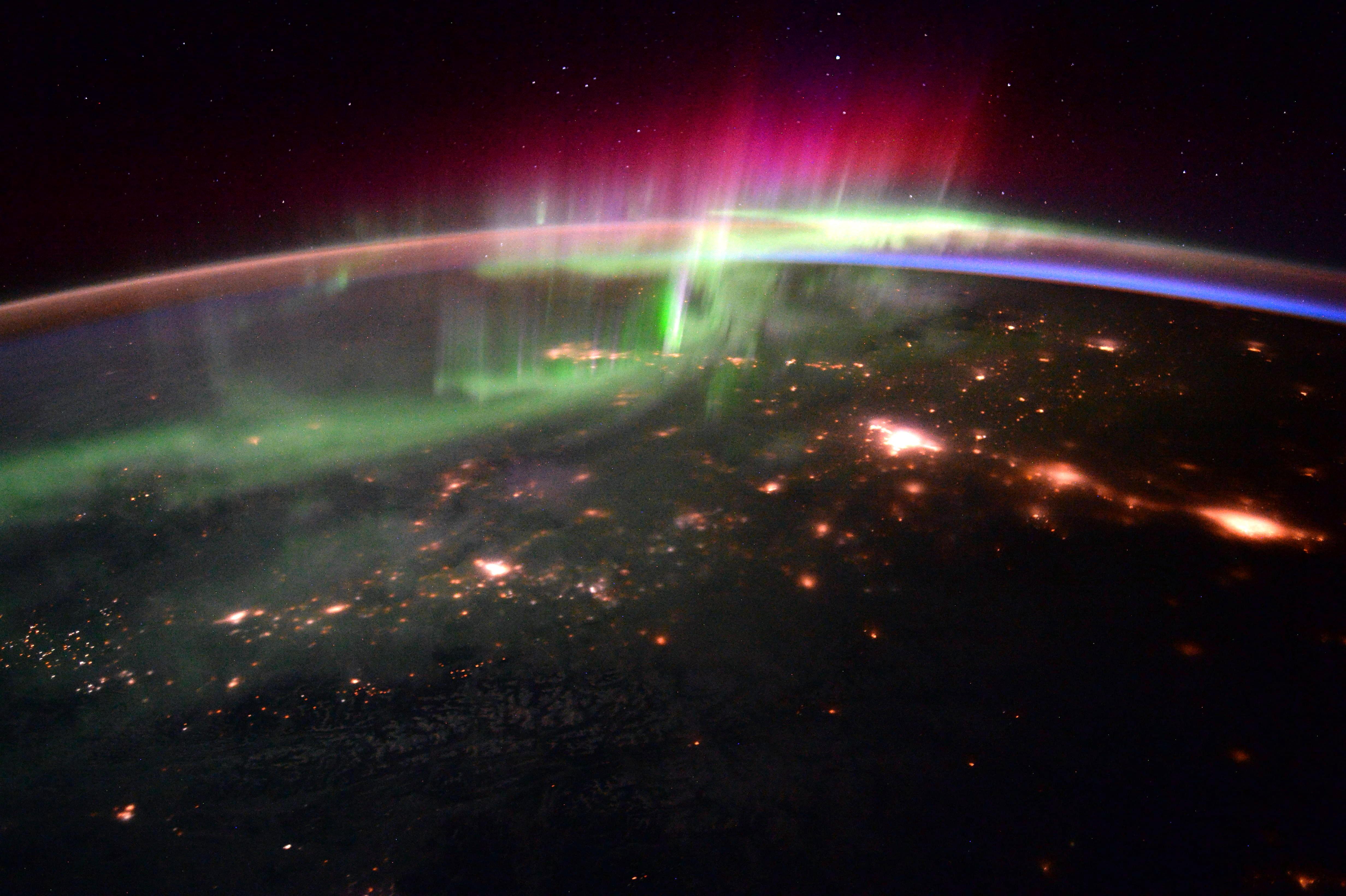 1567214641732-Aurora_from_ISS_20160120.jpg