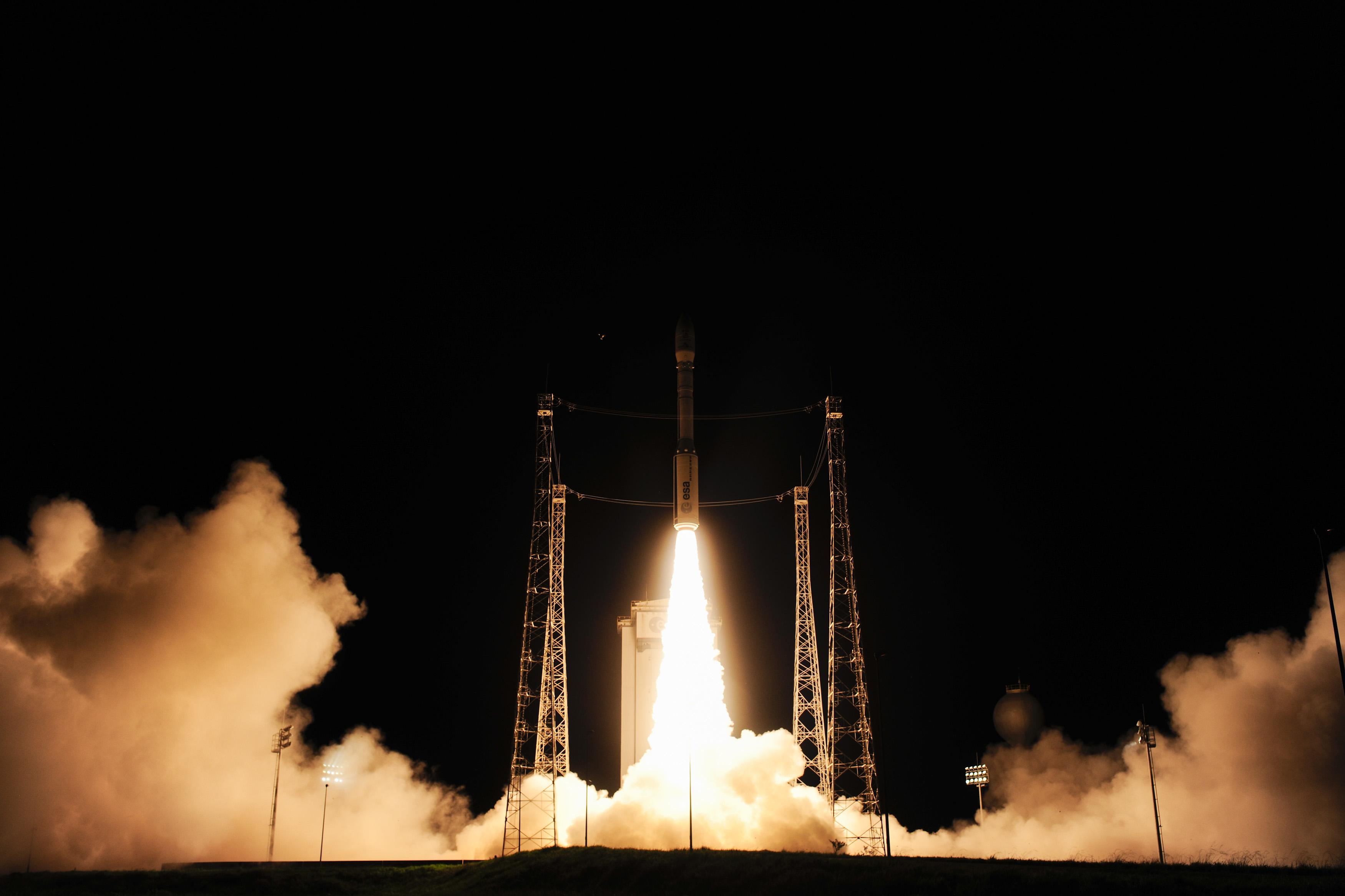 1567215576041-Liftoff_of_Vega_VV06_carrying_LISA_Pathfinder_5.jpg