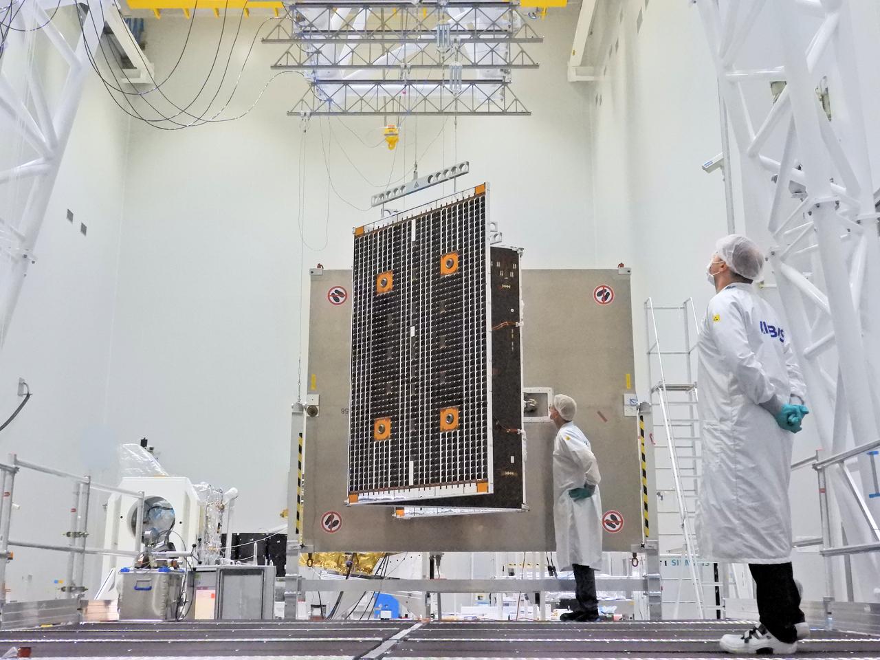 1567213887039-BepiColombo_MPO_solar_array_deployment_1_1280.jpg
