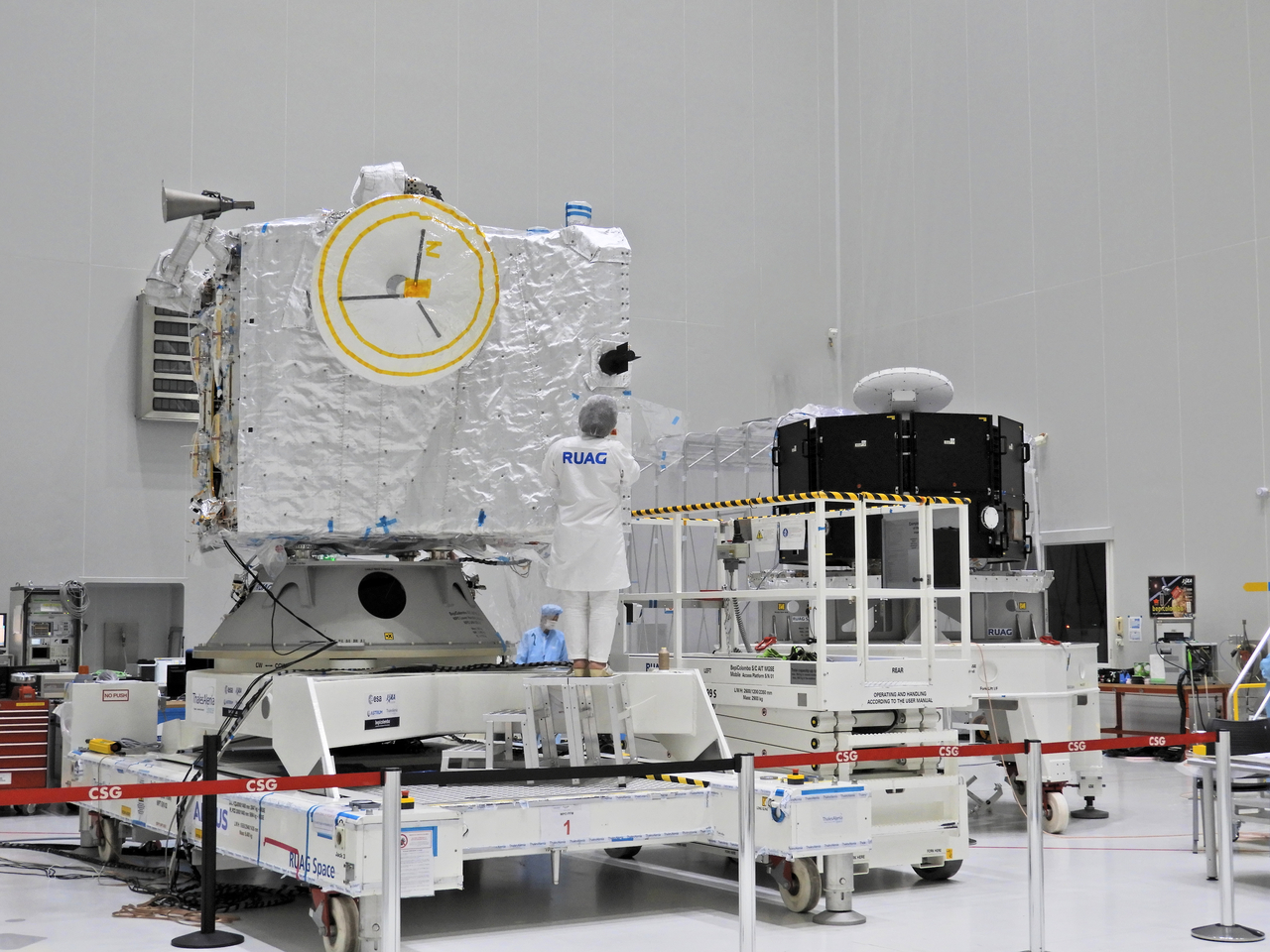 1567213889145-BepiColombo_Sewing_MPO_insulation_blankets_1280.jpg