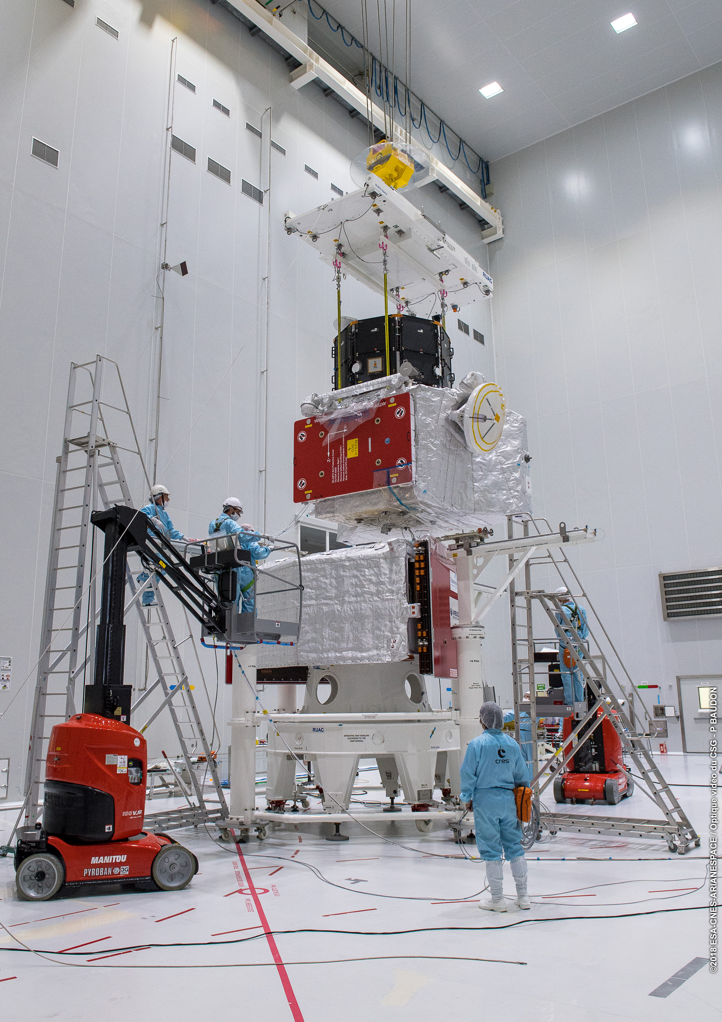 1567214029978-Completing_the_BepiColombo_stack_6.jpg