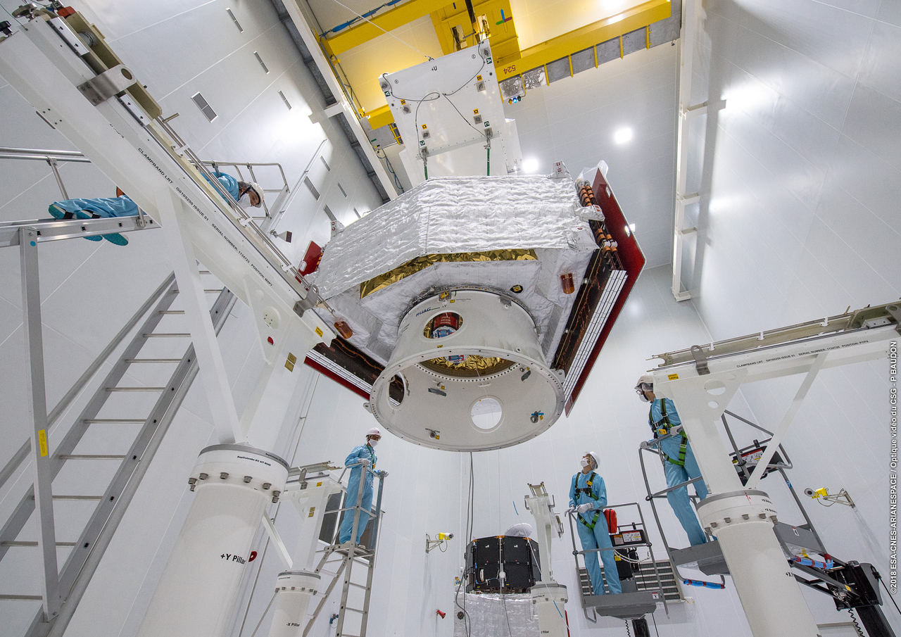 1567214030062-Completing_the_BepiColombo_stack_3_1280.jpg