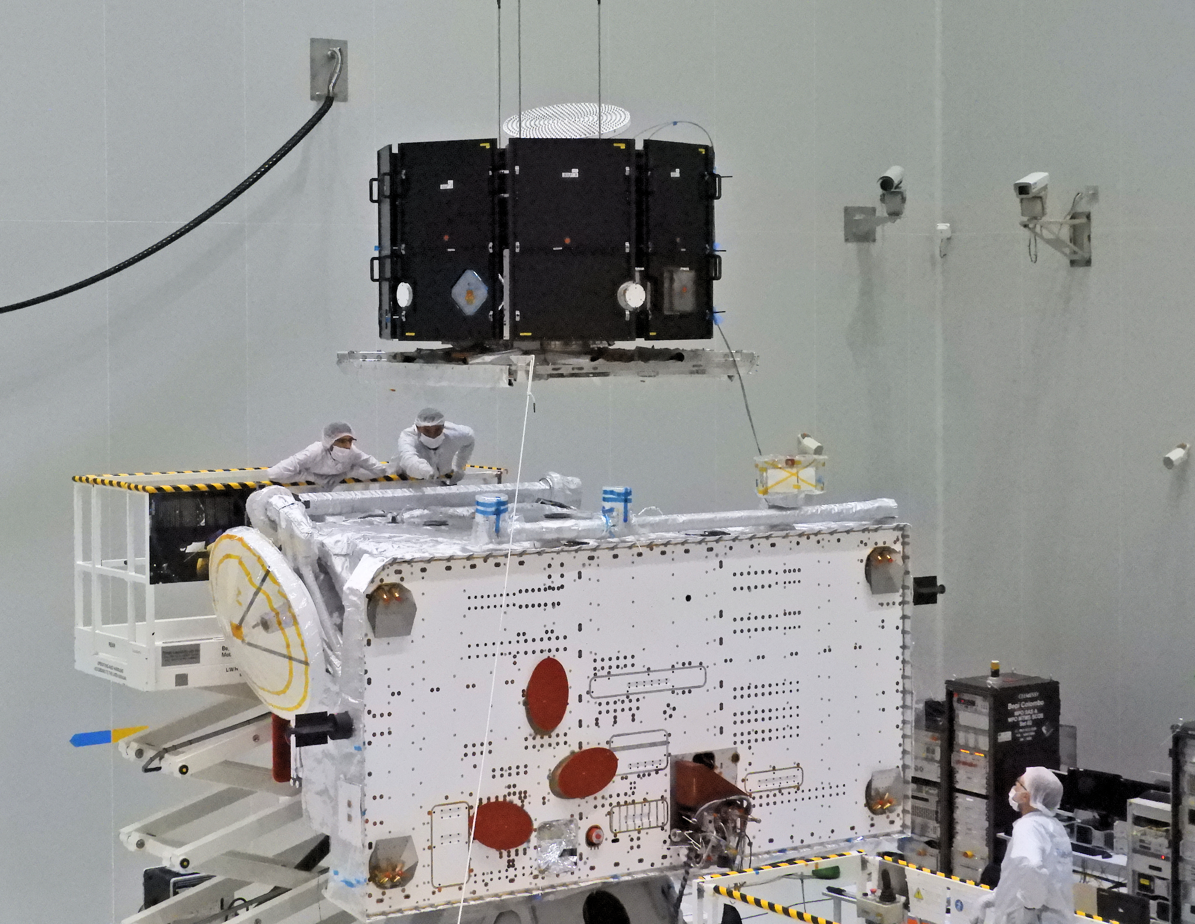 1567214050252-BepiColombo_Preparing_for_MPO_and_MMO_integration.jpg