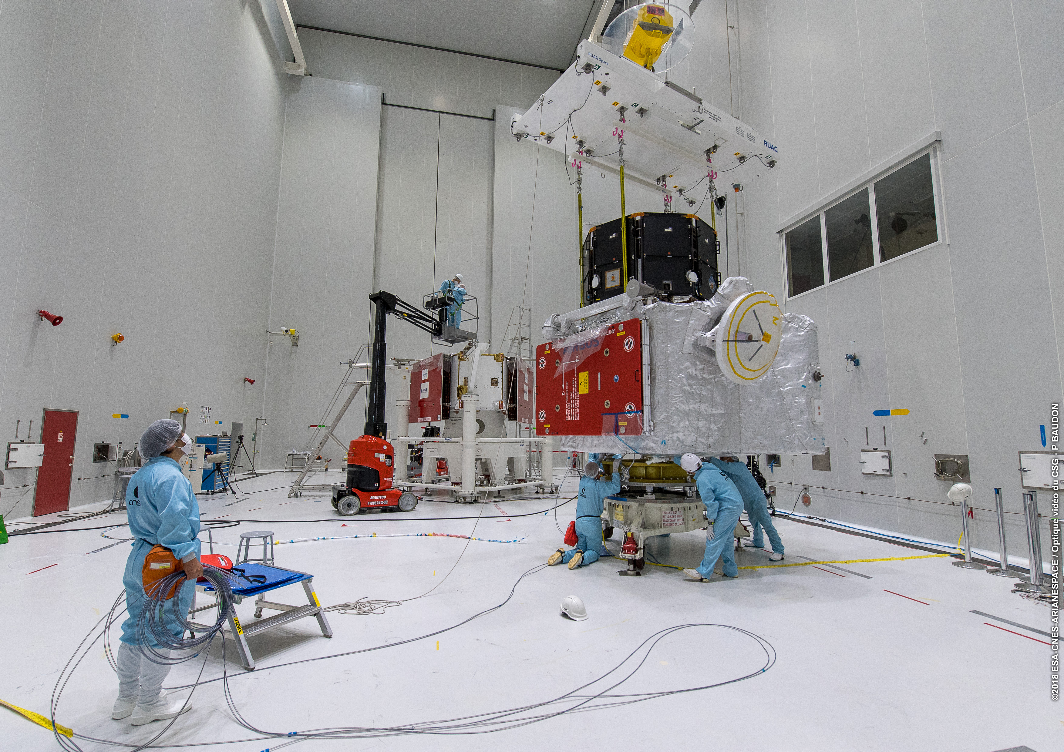 1567214070106-Completing_the_BepiColombo_stack_4.jpg