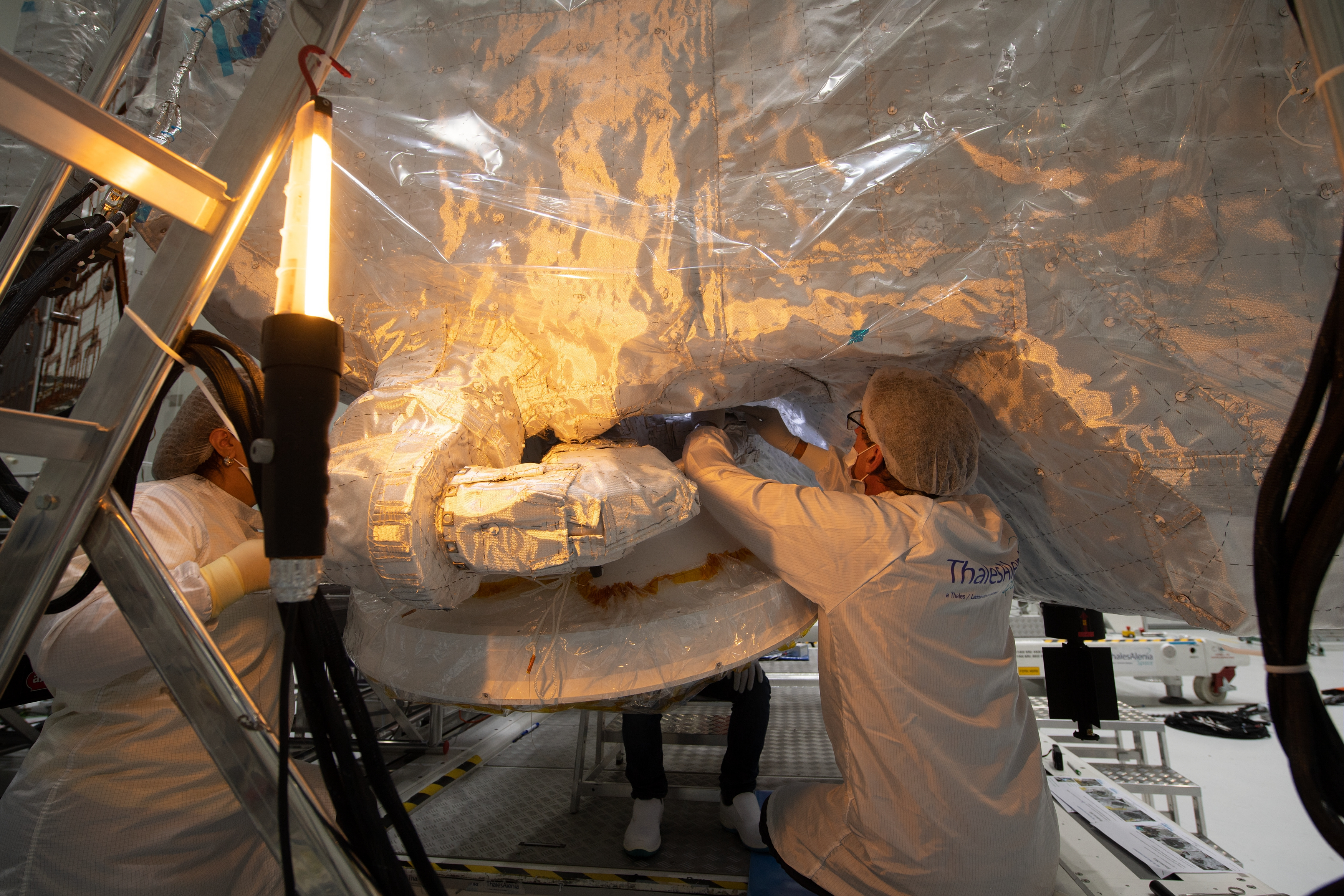 1567214113144-BepiColombo_MPO_Sewing_insulation_blankets_1.jpg