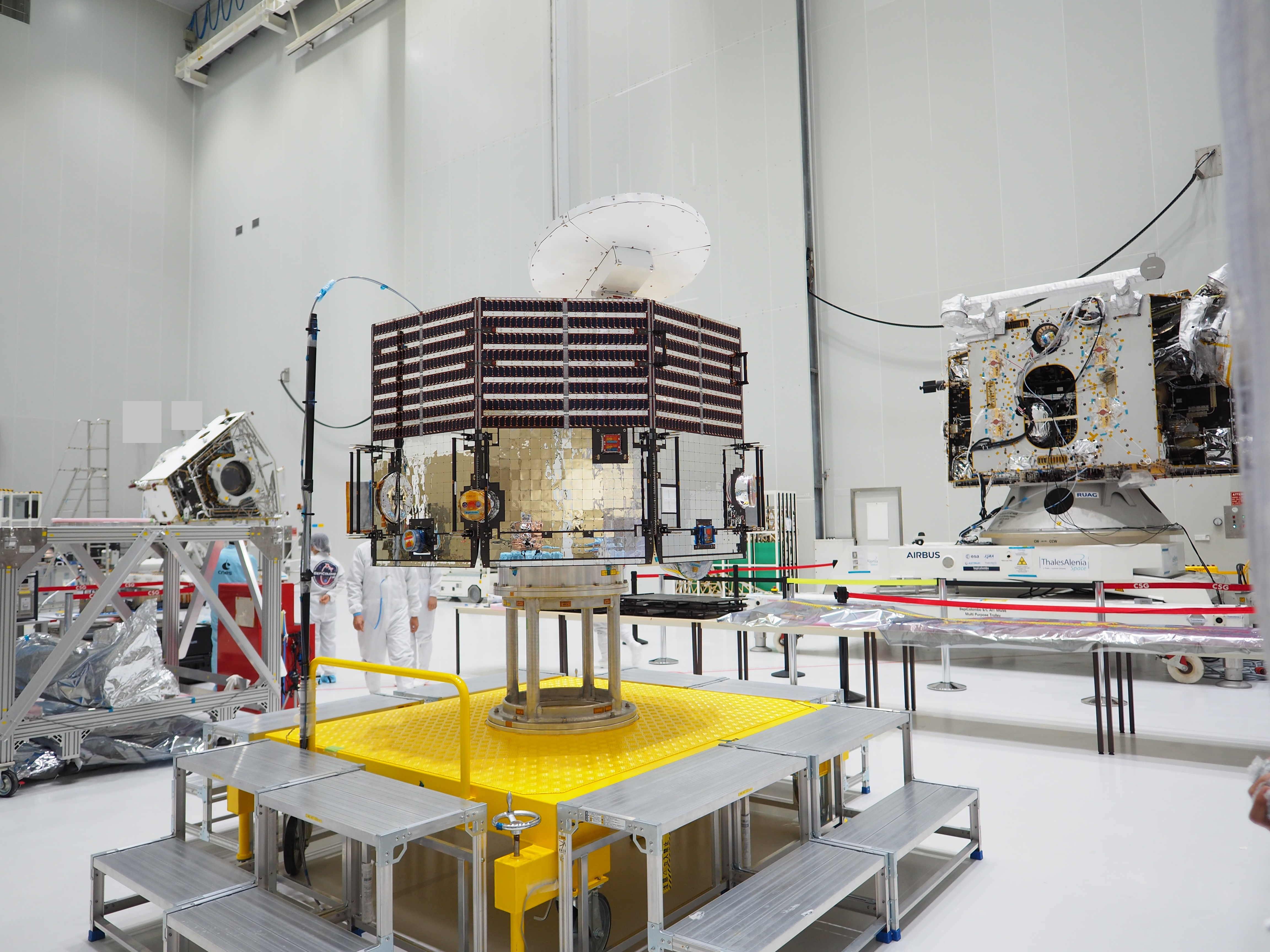 1567214577389-BepiColombo_unpacked_at_the_Spaceport_20180508.jpg
