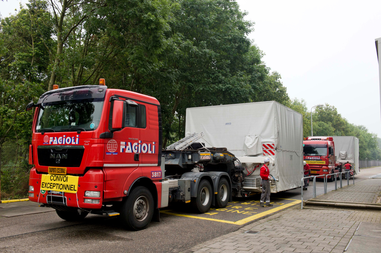 1567216206229-BepiColombo_MTM-and-MOSIF_arrival-at-ESTEC-July-2014_1_1280.jpg