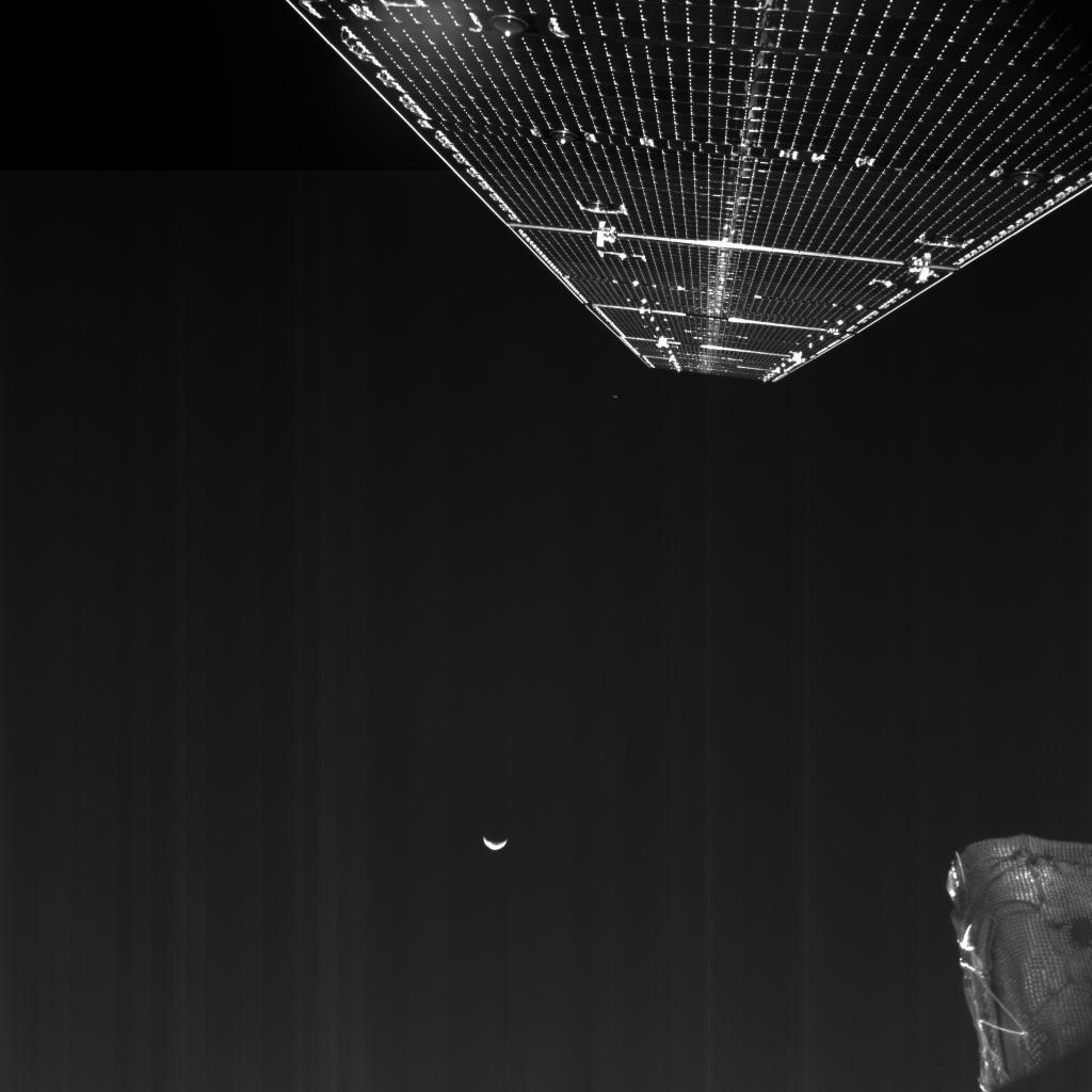 BepiColombo_MTM_M-CAM1_Farewell_Earth_and_Moon_20200411T131946.jpg