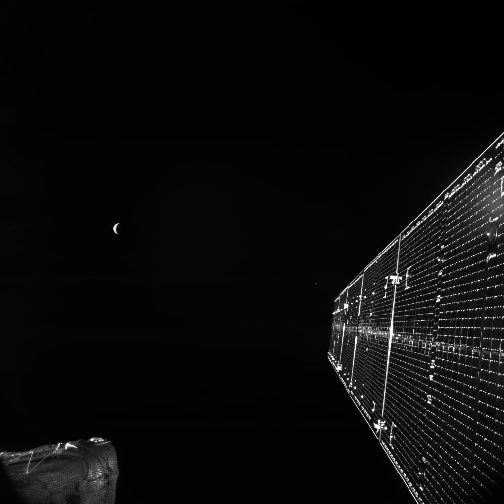 BepiColombo_MTM_M-CAM1_Farewell_Earth_and_Moon_20200411T142402.jpg