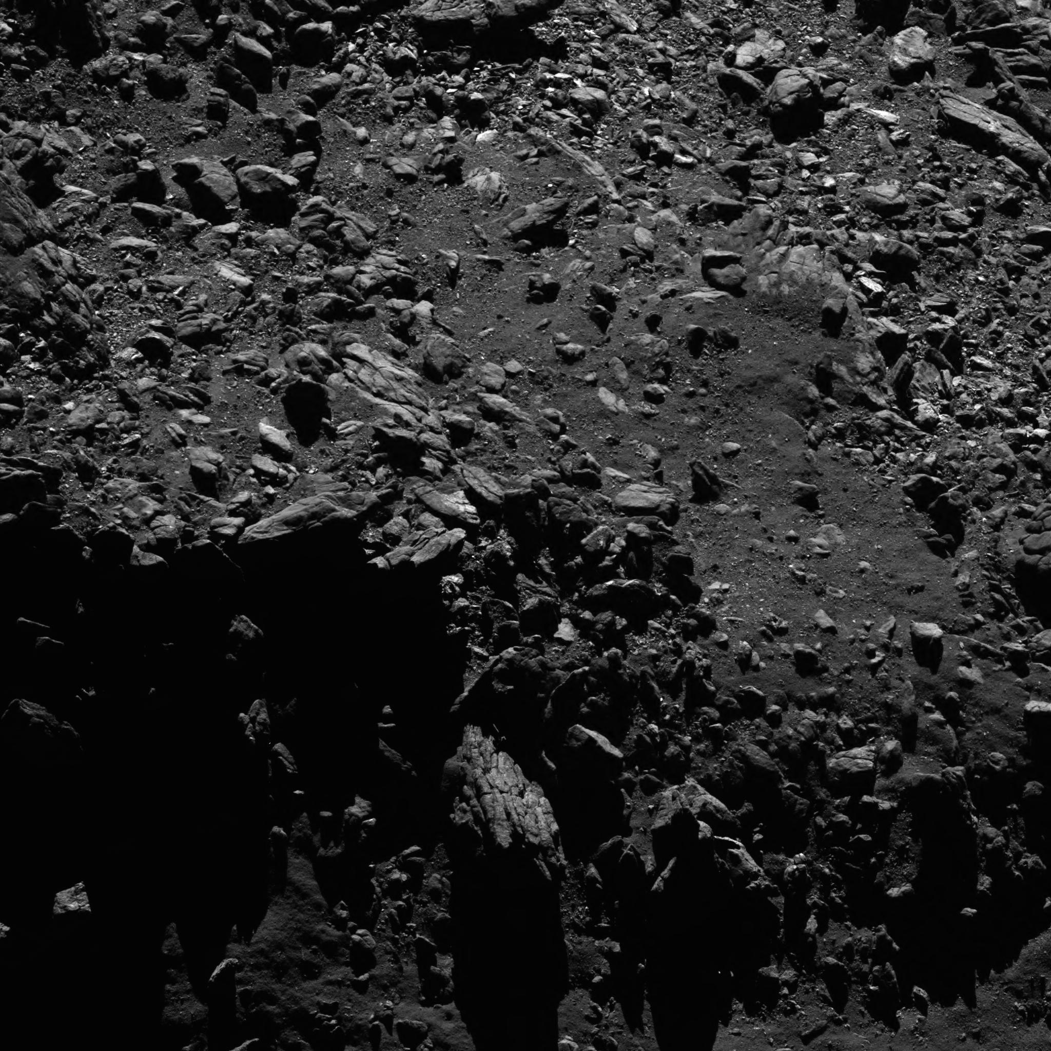 1567213884007-Rosetta_OSIRIS_NAC_20160902T204436_ID20F22.png