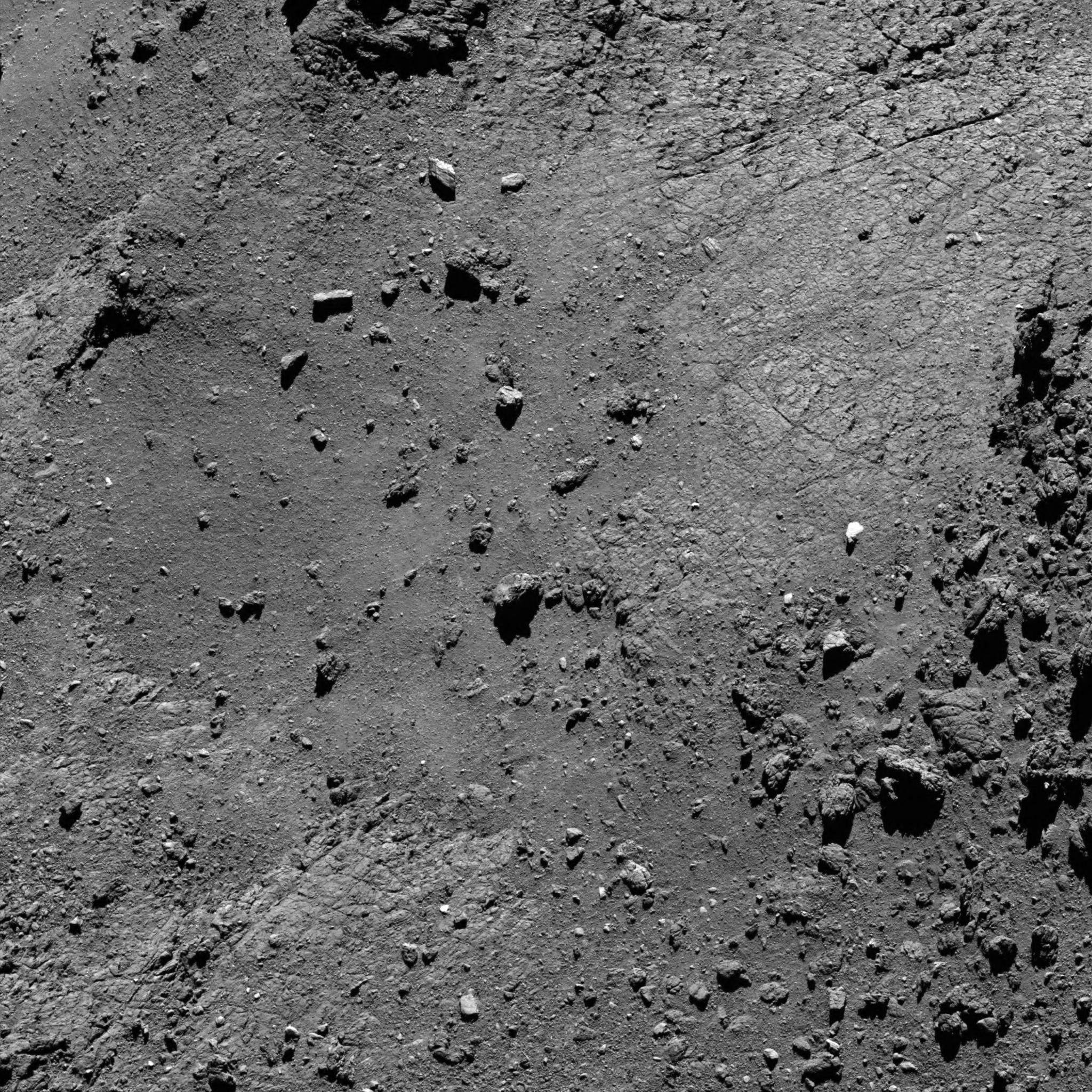 1567213884772-Rosetta_OSIRIS_NAC_20160815T193748_ID20F22.png