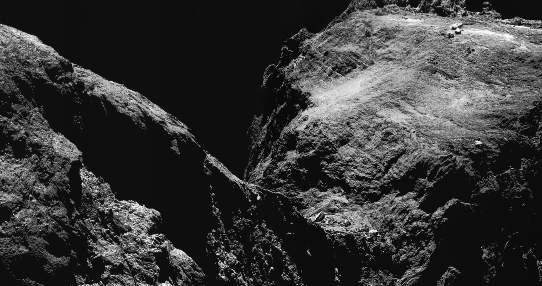 1567214523810-ESA_Rosetta_NavCam_comet_67P_20160515_mosaic.jpg