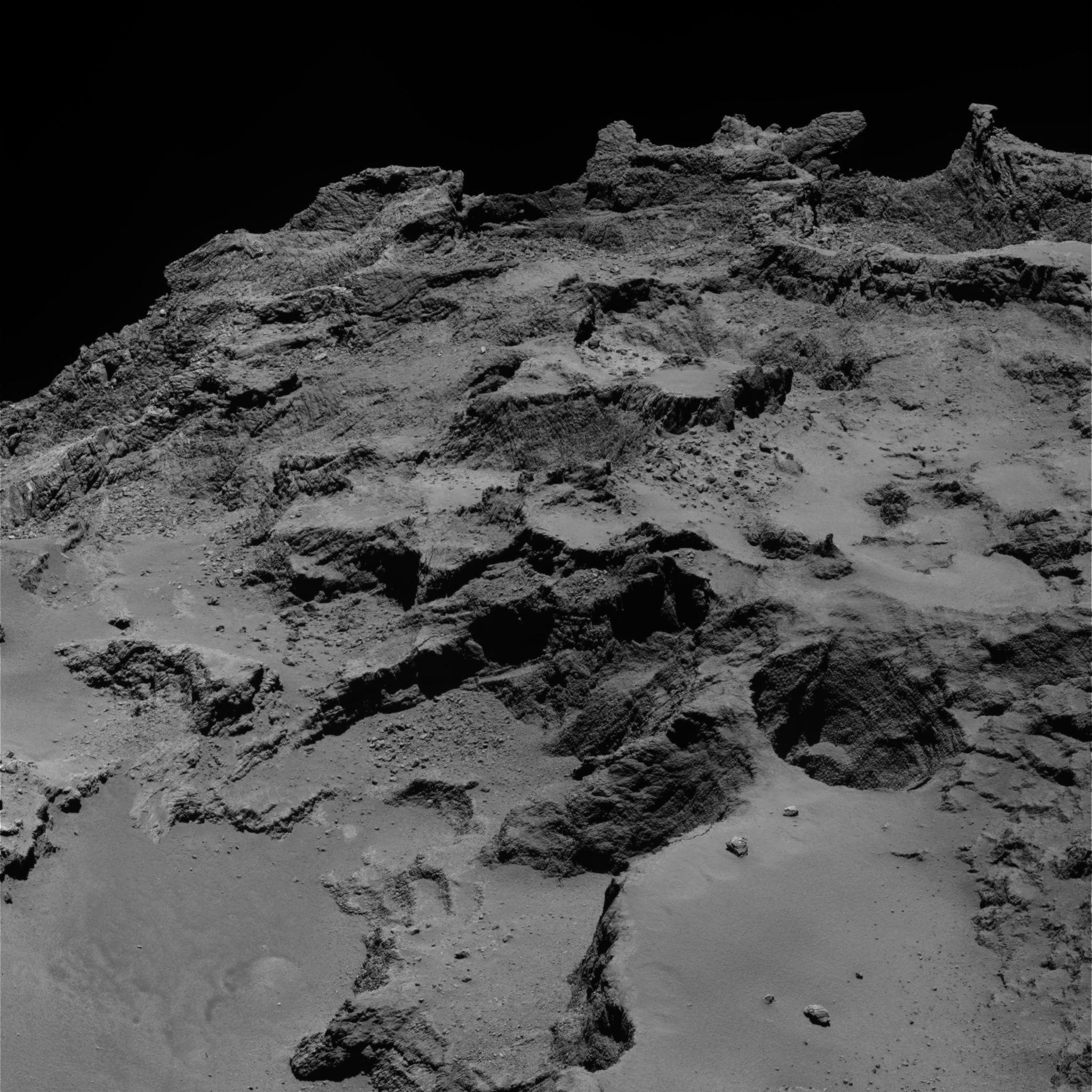 1567215895838-ESA_Rosetta_OSIRIS_NAC_67P_20140922.jpg