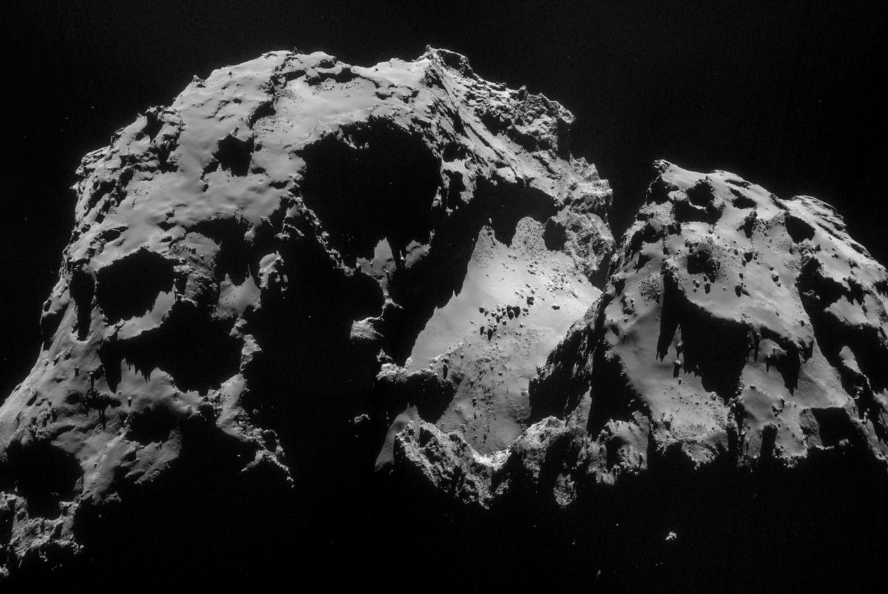 1567216259808-Rosetta_NAVCAM_comet_67P_20140924_mosaic_1280.jpg