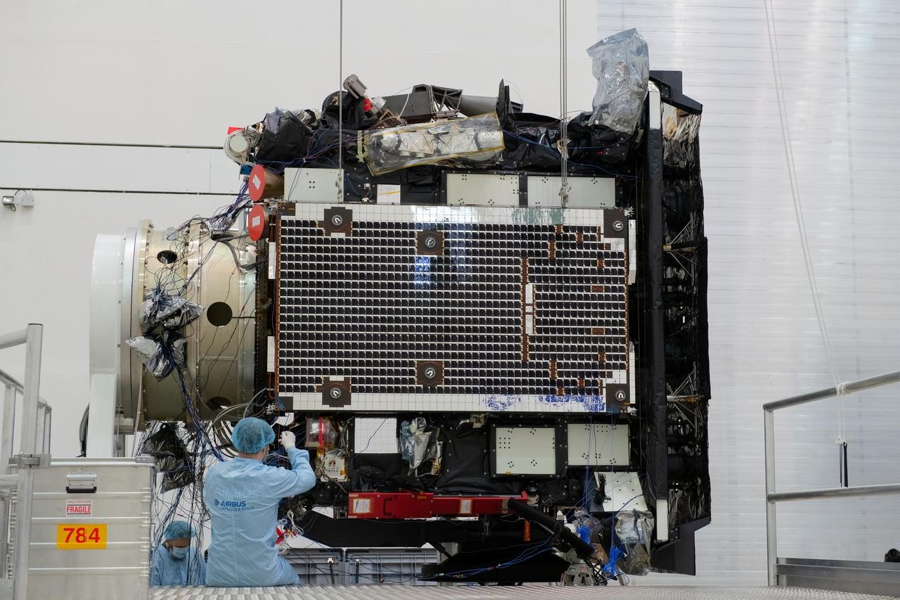 1567214128730-Solar_Orbiter_array_deployment_test_20190321-a_1280.jpg