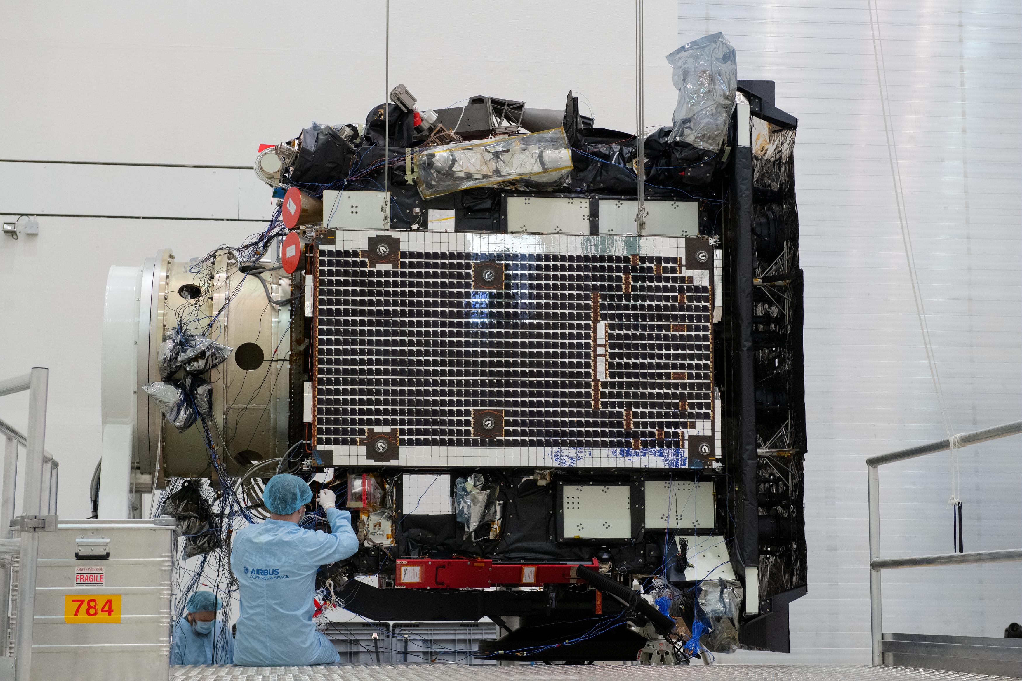 1567214128773-Solar_Orbiter_array_deployment_test_20190321-a.jpg