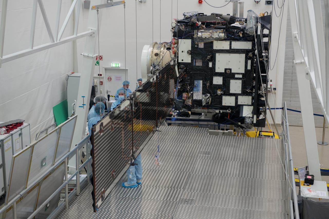 1567214253447-Solar_Orbiter_array_deployment_test_20190321-g_1280.jpg