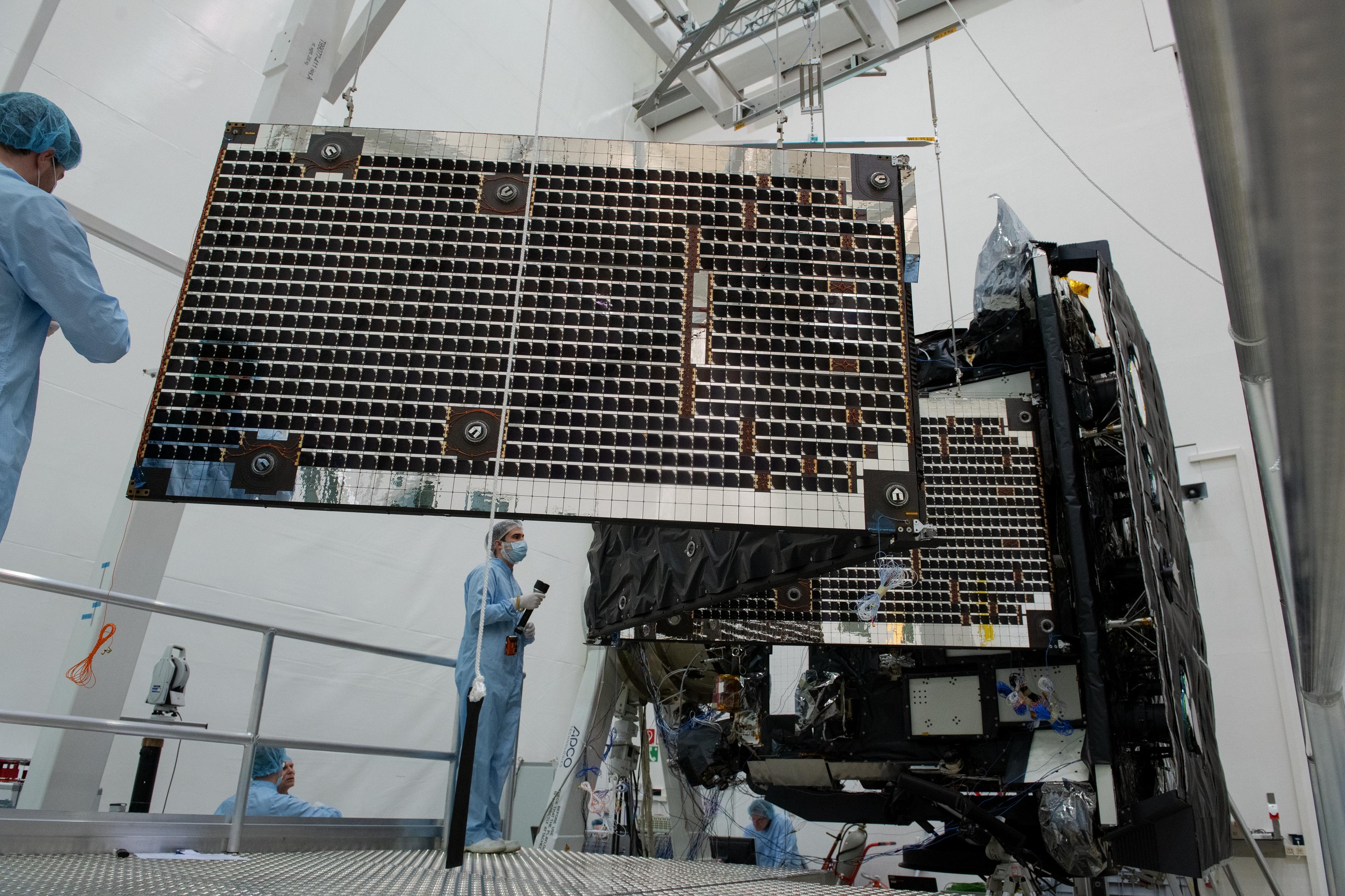 1567214255949-Solar_Orbiter_array_deployment_test_20190321-c.jpg