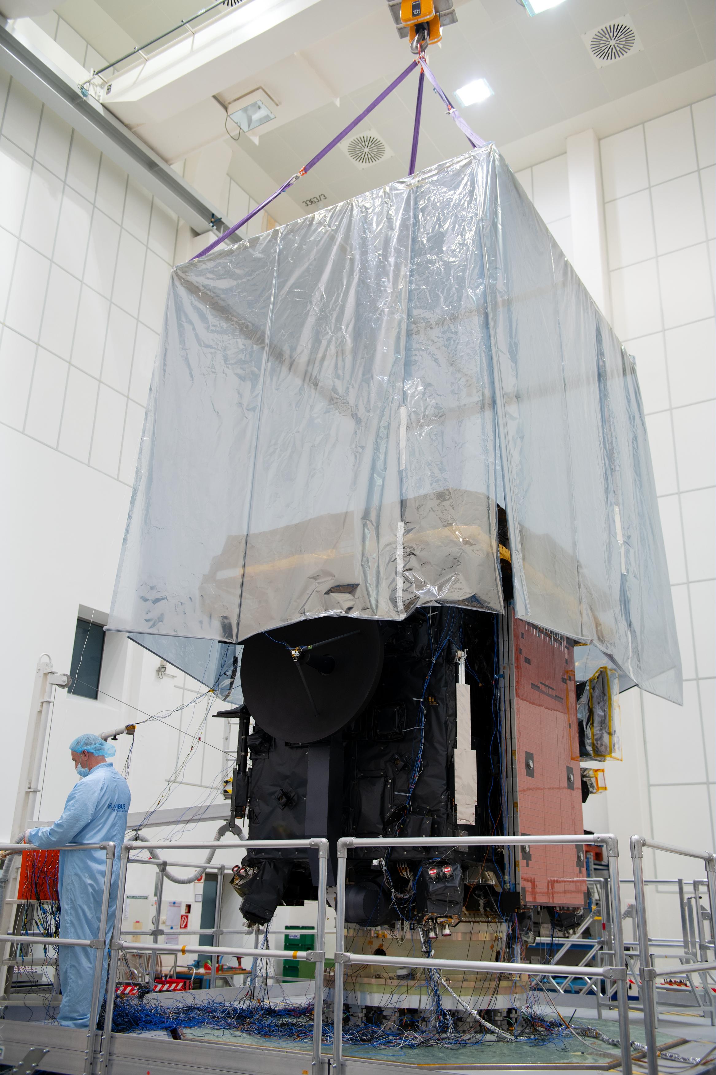1567214293871-Solar_Orbiter_vibration_test_prep_20190212_11.jpg