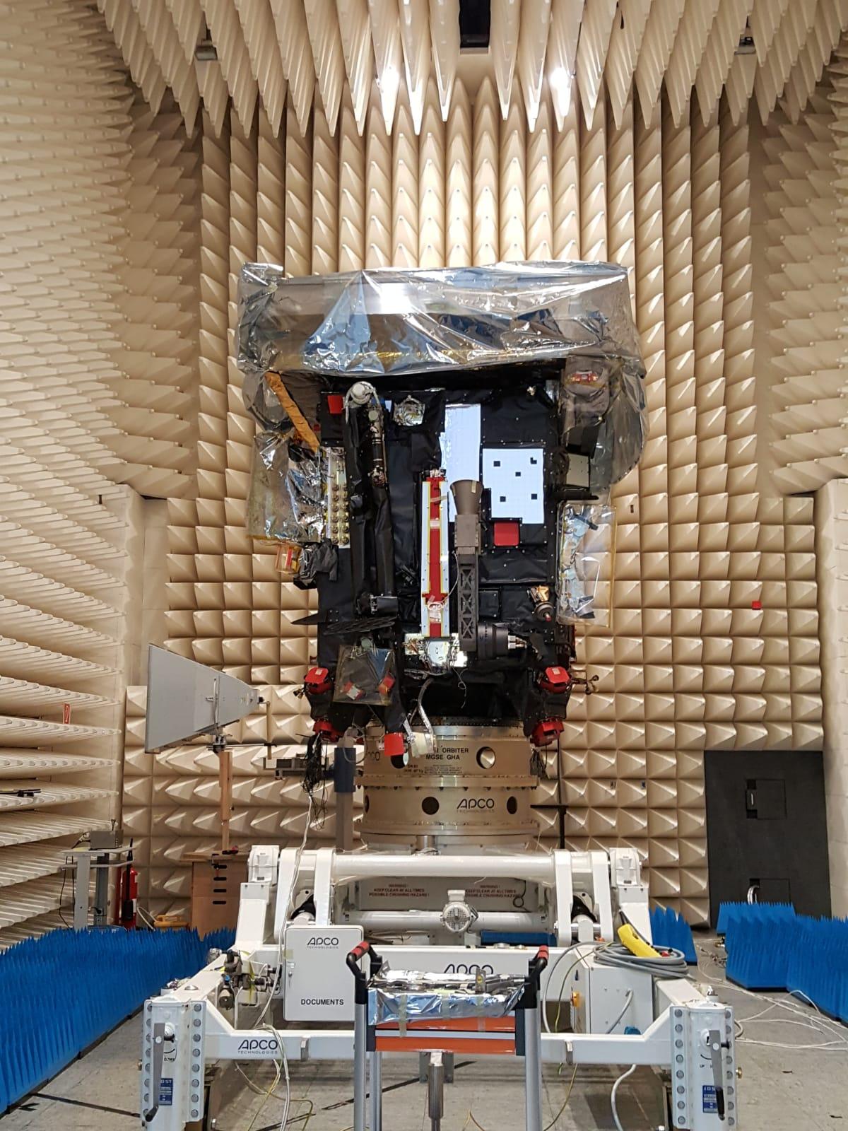 ESA_Solar_Orbiter_IABG_EMC-chamber.jpg