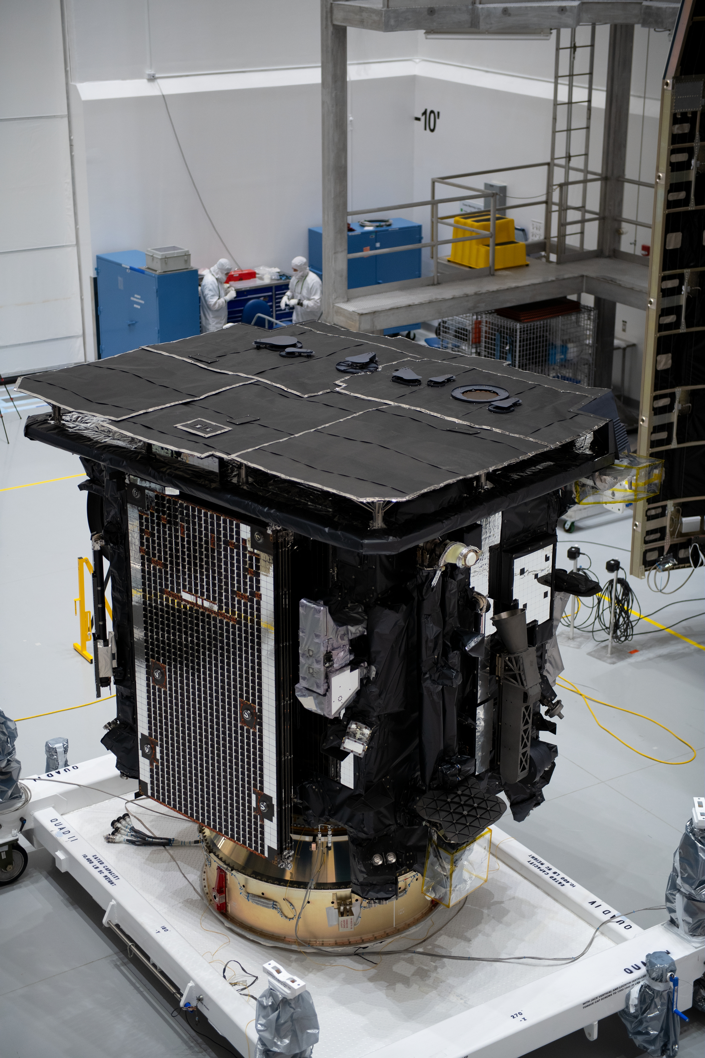 Last_glimpse_of_Solar_Orbiter_before_launch.jpg