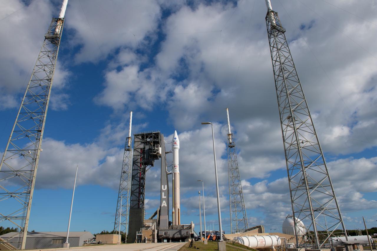 Solar_Orbiter_at_the_launch_pad_1280.jpg