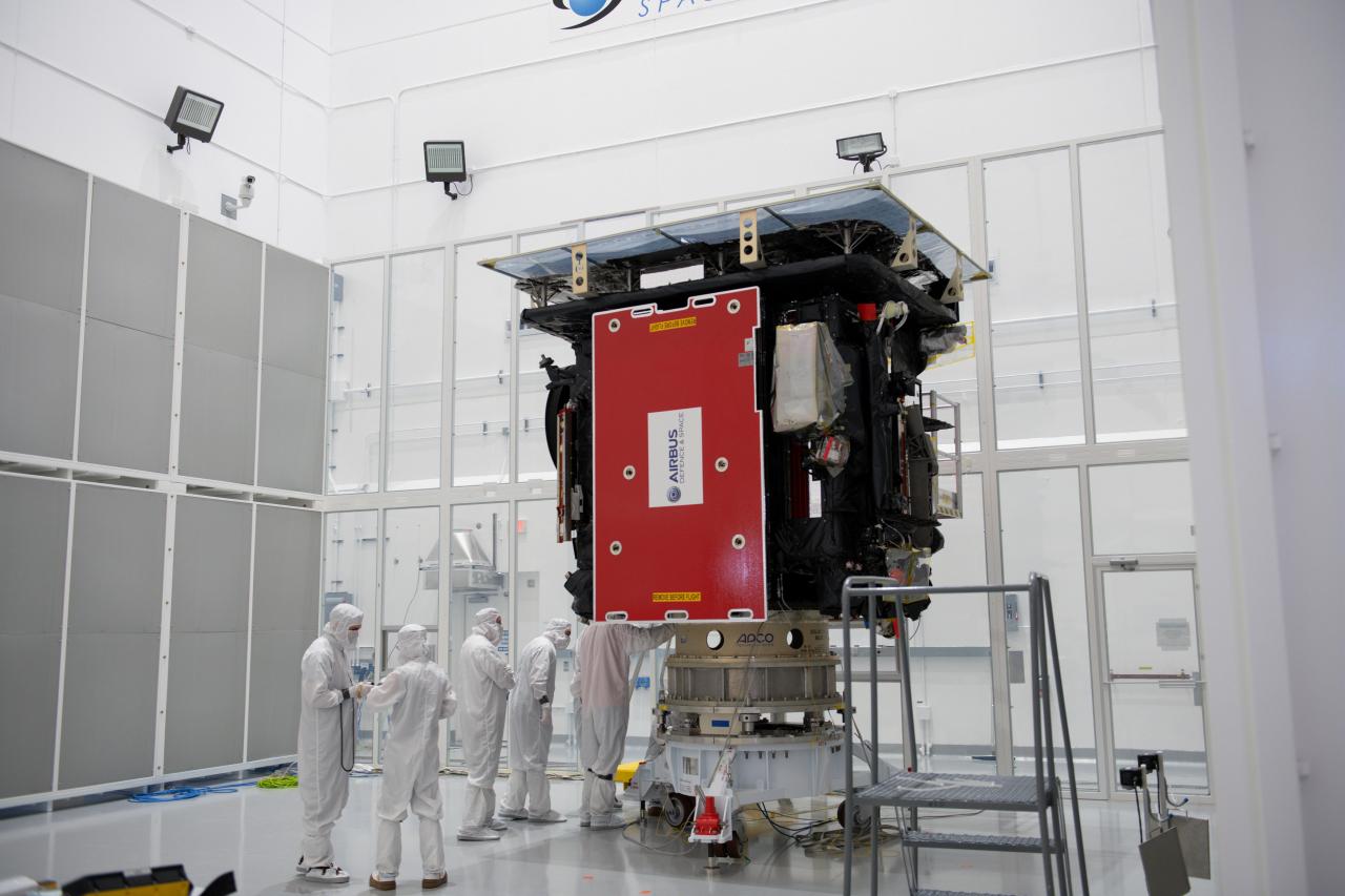 Solar_Orbiter_during_launch_preparations_1280.jpg
