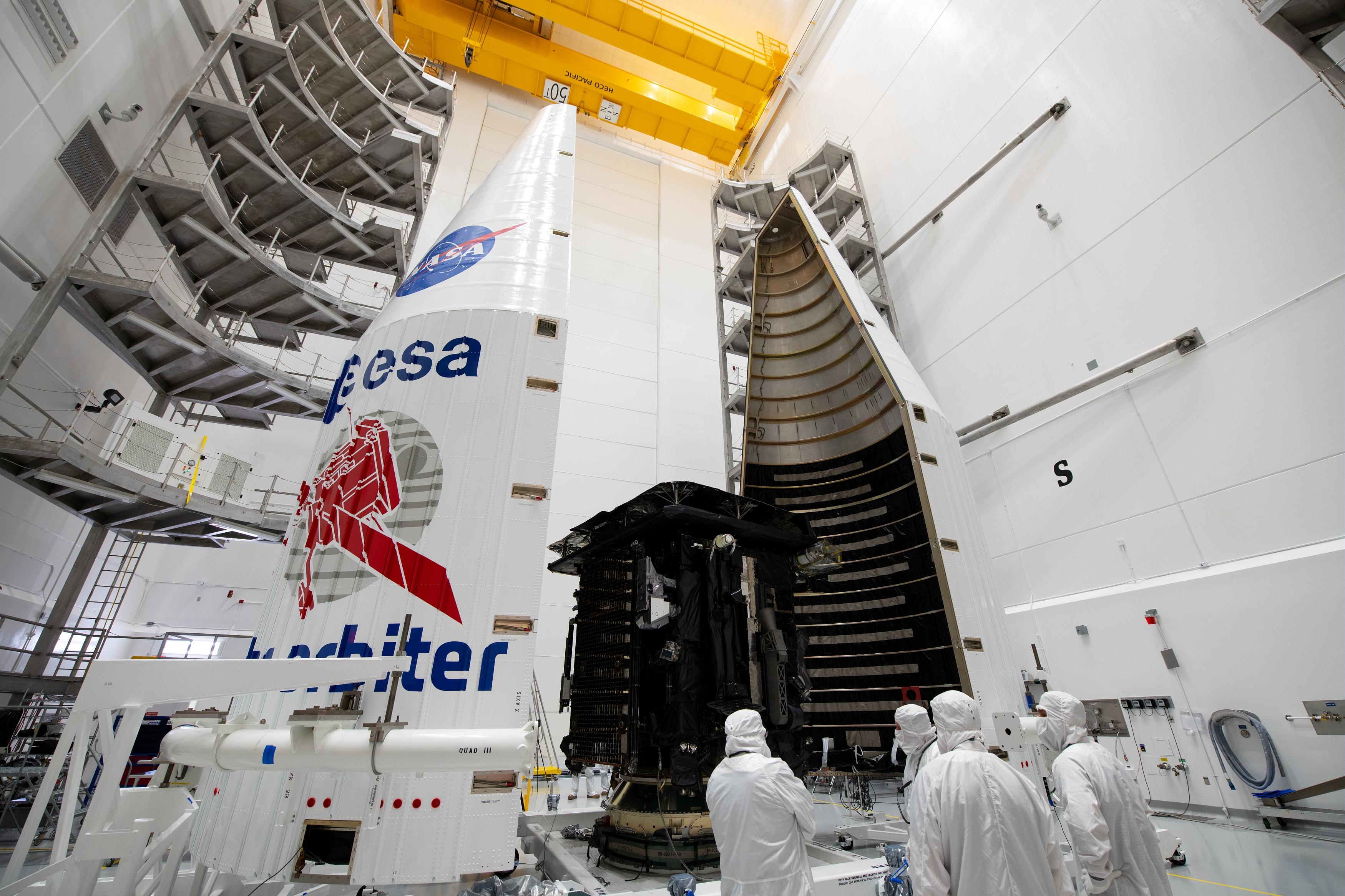 Solar_Orbiter_integrated_into_rocket_fairing_2.jpg
