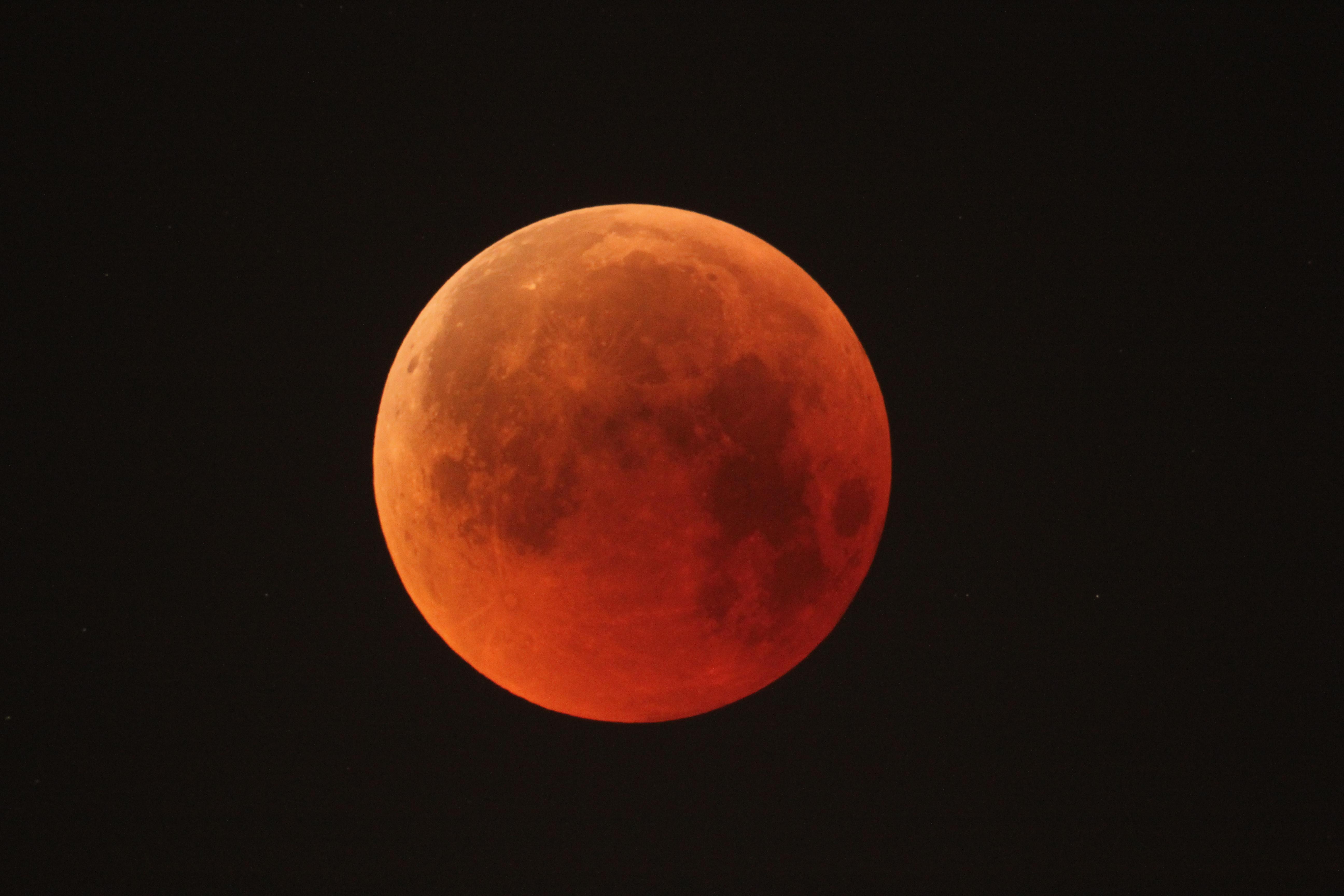 1567214217104-Lunar_eclipse_27_July_2018.jpg